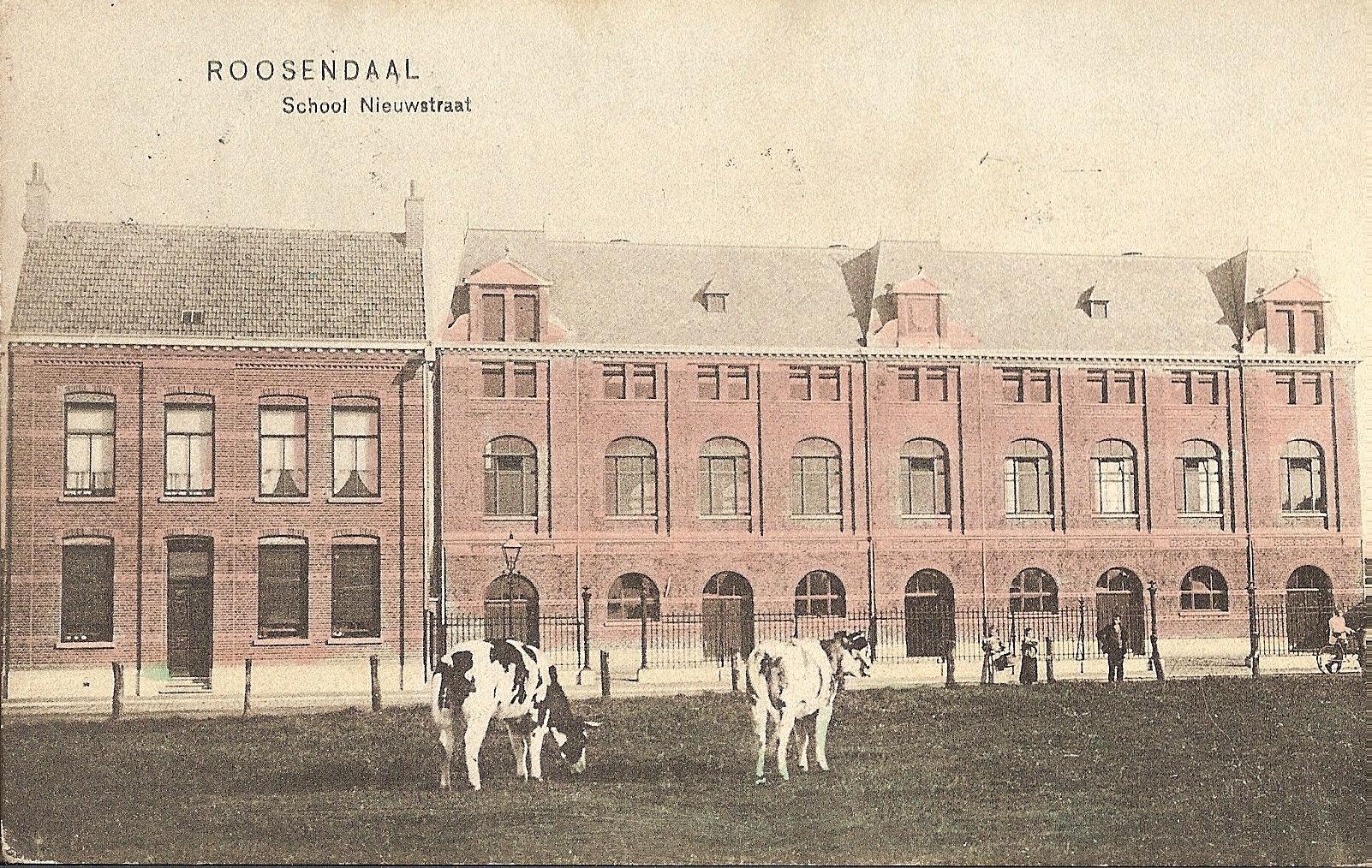 School rond 1910, met mezzaninoverdieping.