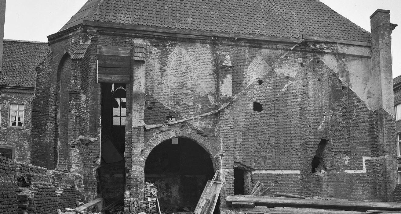 Foto uit 1974 van de noordgevel van de kapel (beeldbank RCE).