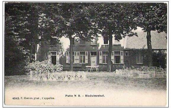 Villa Beduinenhof rond 1890, waarop de oorspronkelijke opzet van de zuidelijke zijgevel zichtbaar is.
