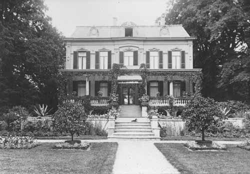 Foto van de achtergevel van de Kruishorst, circa 1920