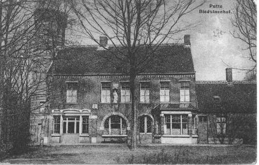 Villa Beduinenhof, de situatie ontstaan rond 1900-1910, met jugendstil vensters.