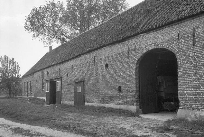 Foto van de tiendschuur uit 1965 (bron: beeldbank RCE).