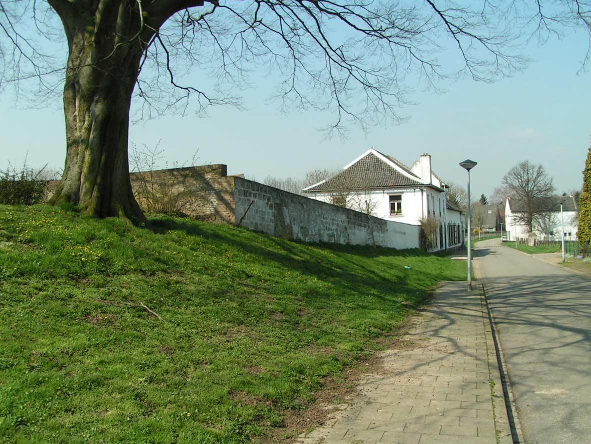 Oud Caberg, straatbeeld Van Akenstraat.