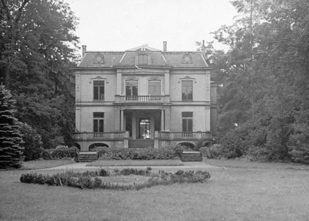 Voorgevel van het landhuis, rond 1920. verbouwing naar ontwerp van Eduard Cuypers.