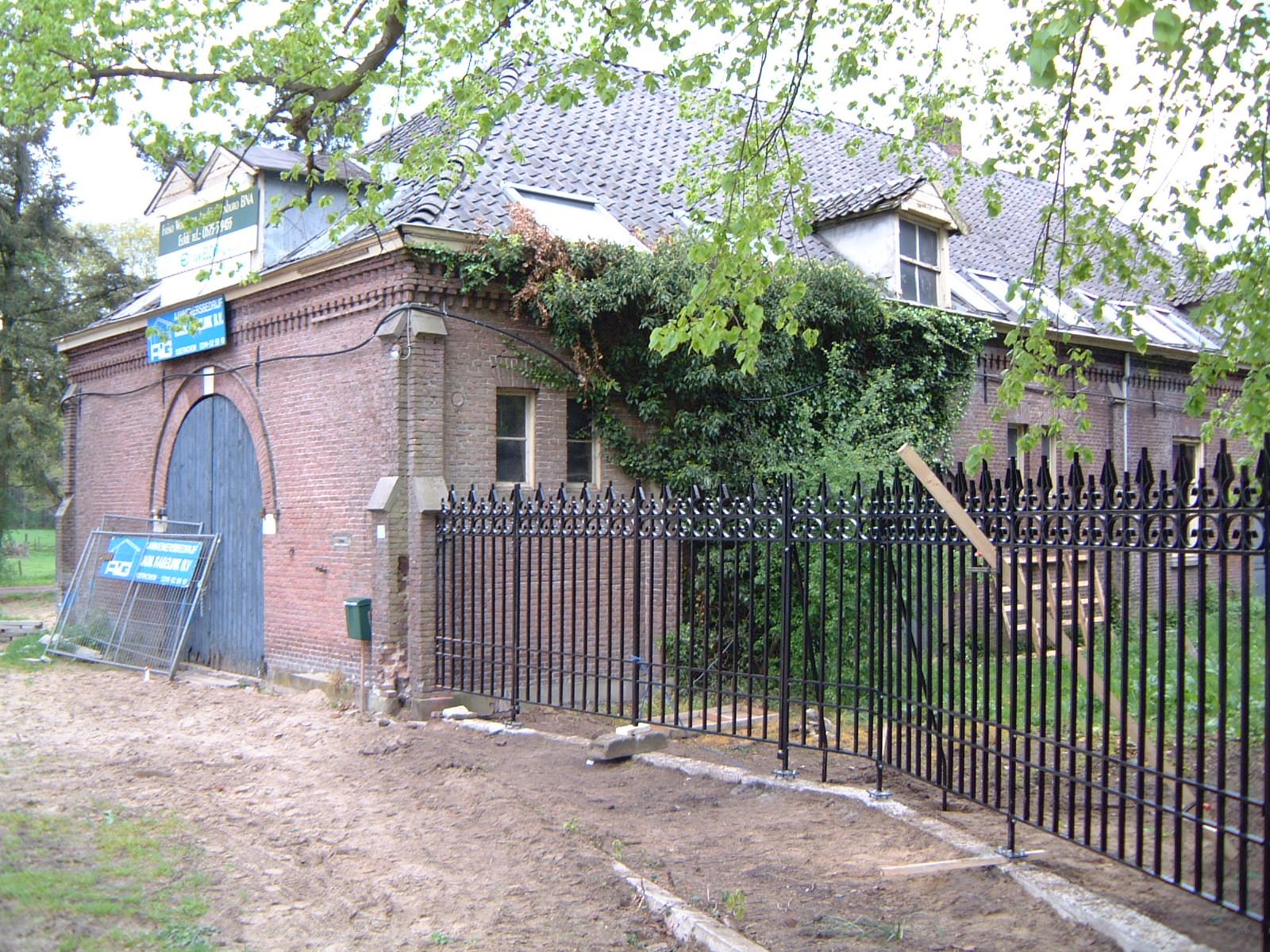 Koetshuis De Wientjesvoort, vóór de restauratie.