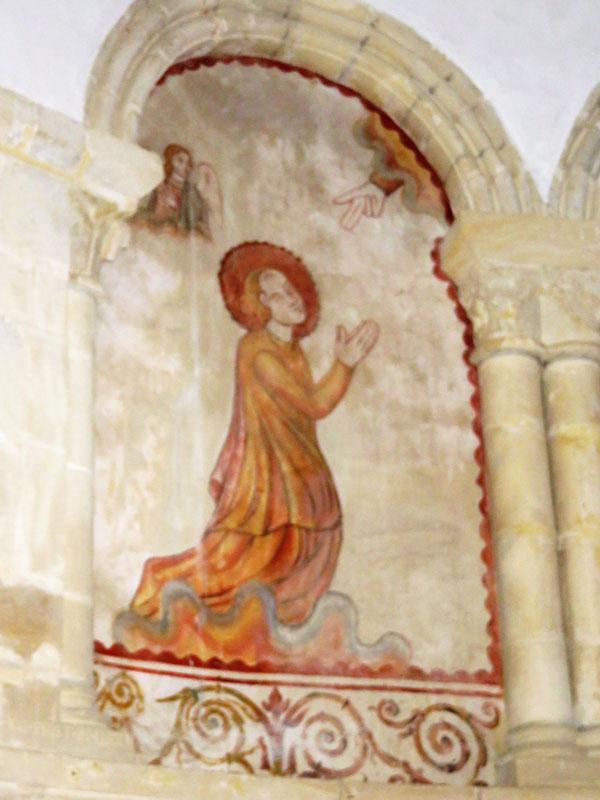 Sainte Barbe Barbe  porte son auréole de sainte, est représentée en prières.