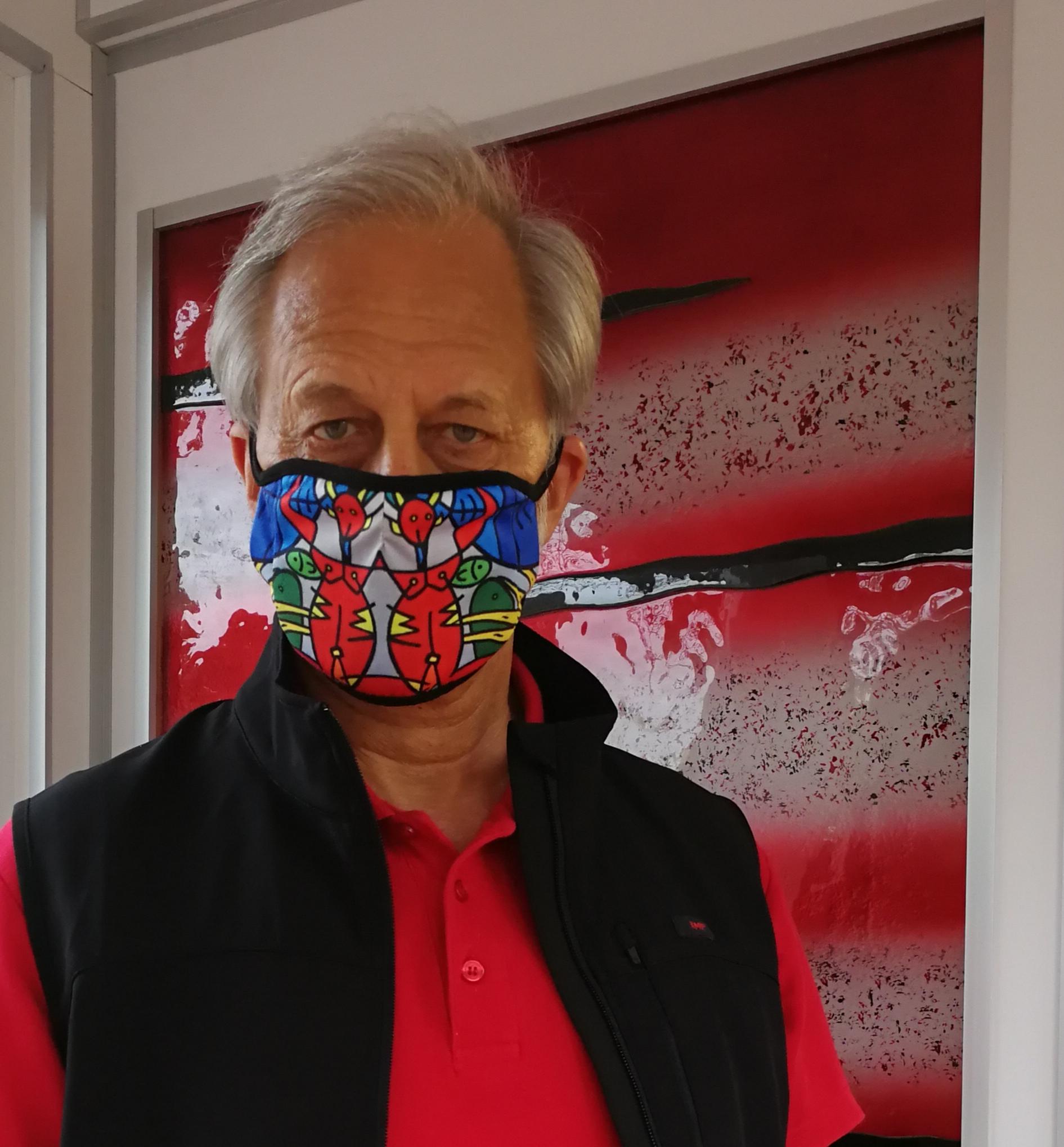 KMP-Inhaber Lutz Rasemann mit ART-Mundschutz
