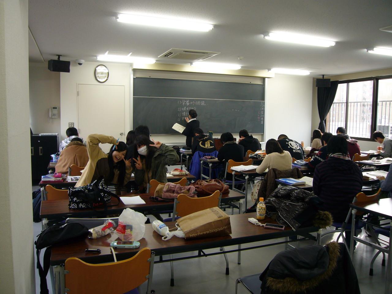 松江調理製菓製パンカレッジ講義風景