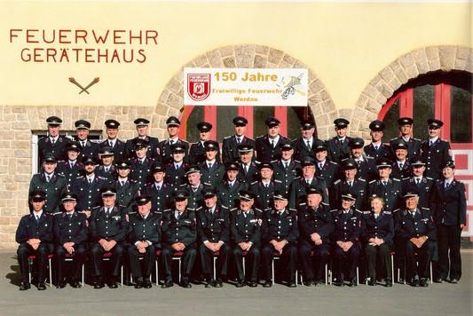Gruppenbild Einsatzabteilung und Alters- und Ehrenabteilung anlässlich 150 Jahren FF Werdau (2011)