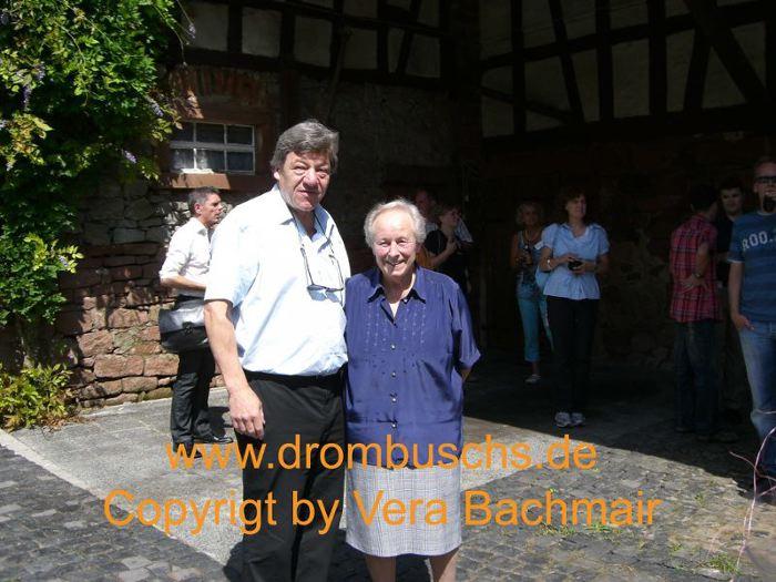 """Michael Werlin und Anni Lutz (Besitzerin der """"Alten Mühle"""" beim Drombuschs-Fantreffen 2010"""