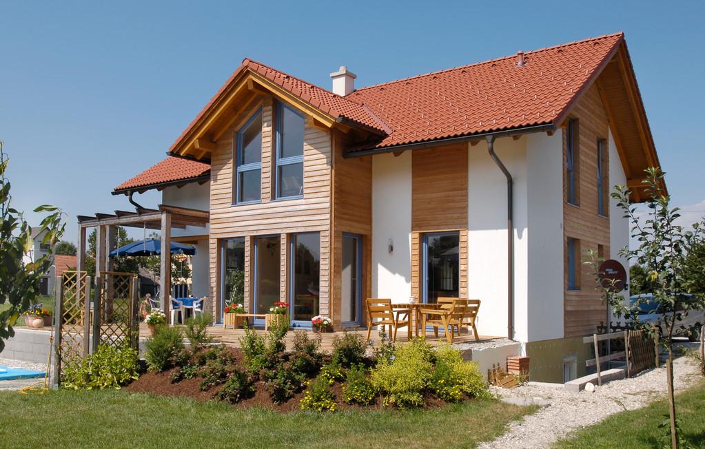 Sateldach mit Holzoptik