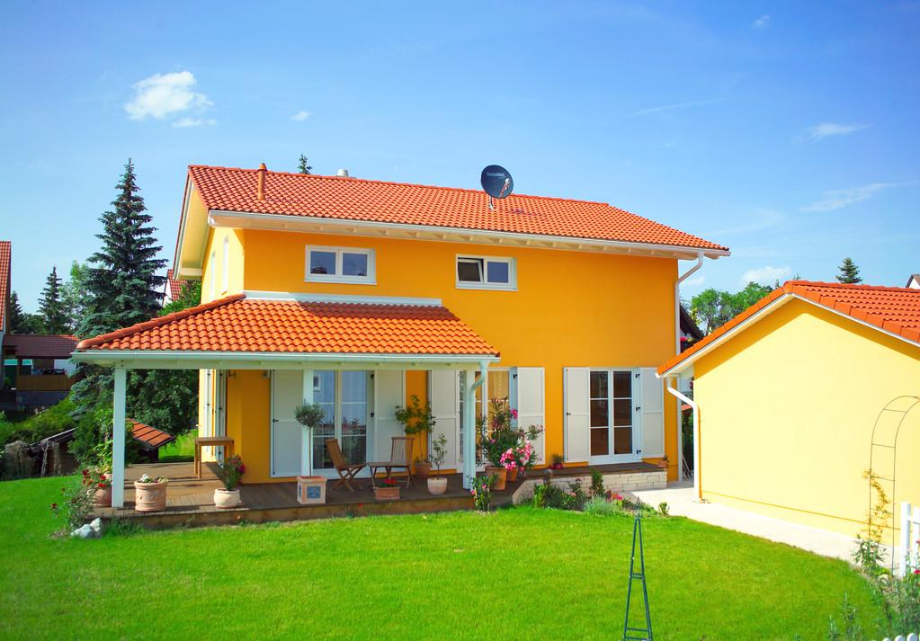 Satteldach mit überdachter Terrasse