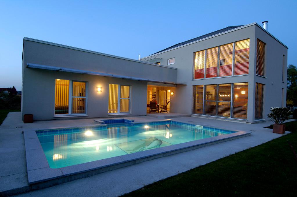 Moderne häuser mit pool  Freie Planung für IHR Traumhaus zum FESTPREIS. KFW55 als Standard ...
