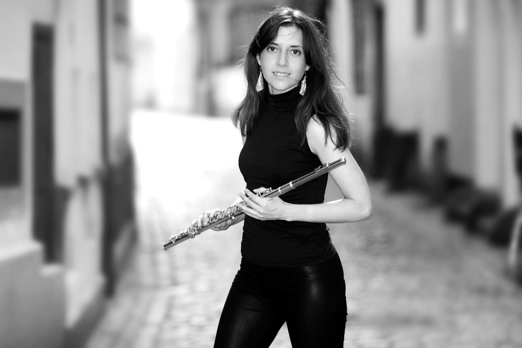 Elvira Montiel www.elviramontiel.com