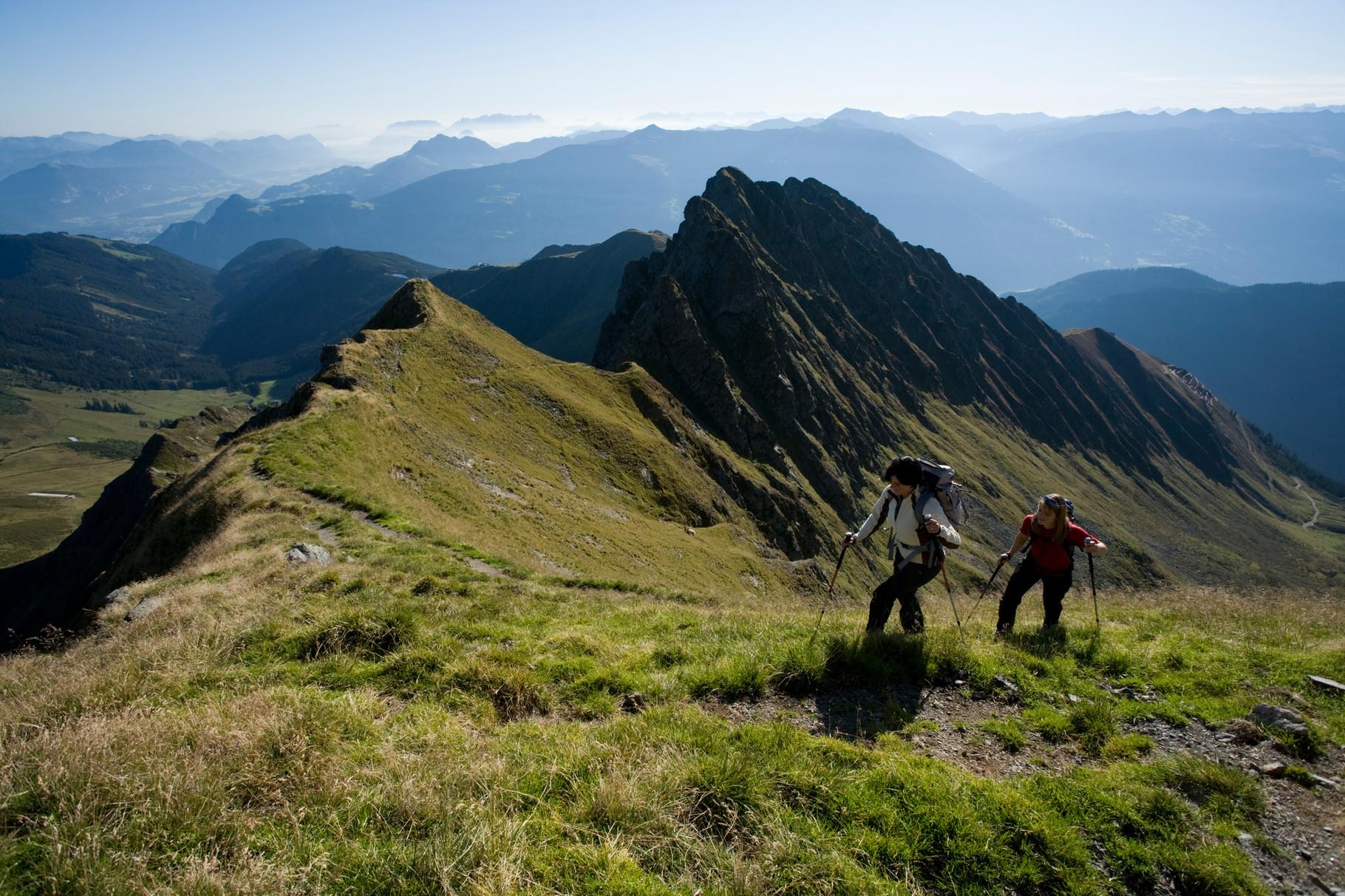 genießen Sie den Ausblick - Panorama-Wanderung am Kellerjoch ©Ritschel