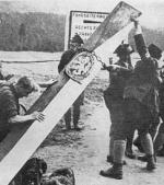 Sudetentyskarna avlägsnar tjeckiska gränsbomma
