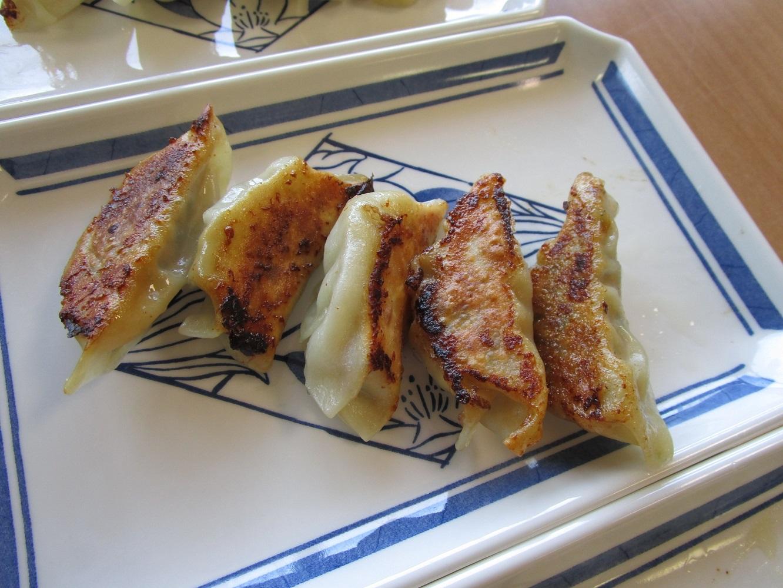 大阪王将ならぬ「さいはま女王将」の焼き餃子が完成しました!