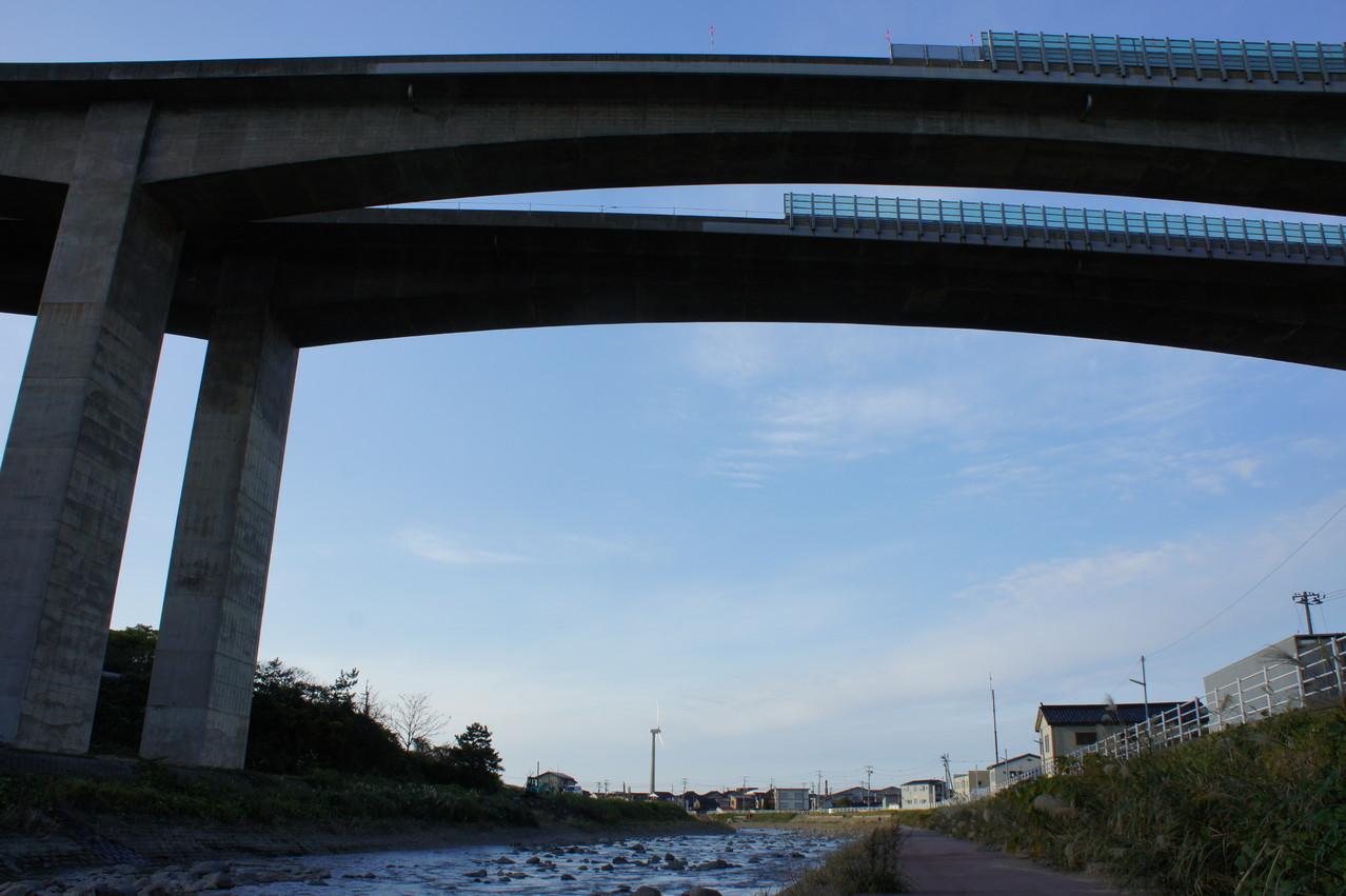 名立川はこれからが漁のピークを迎えます