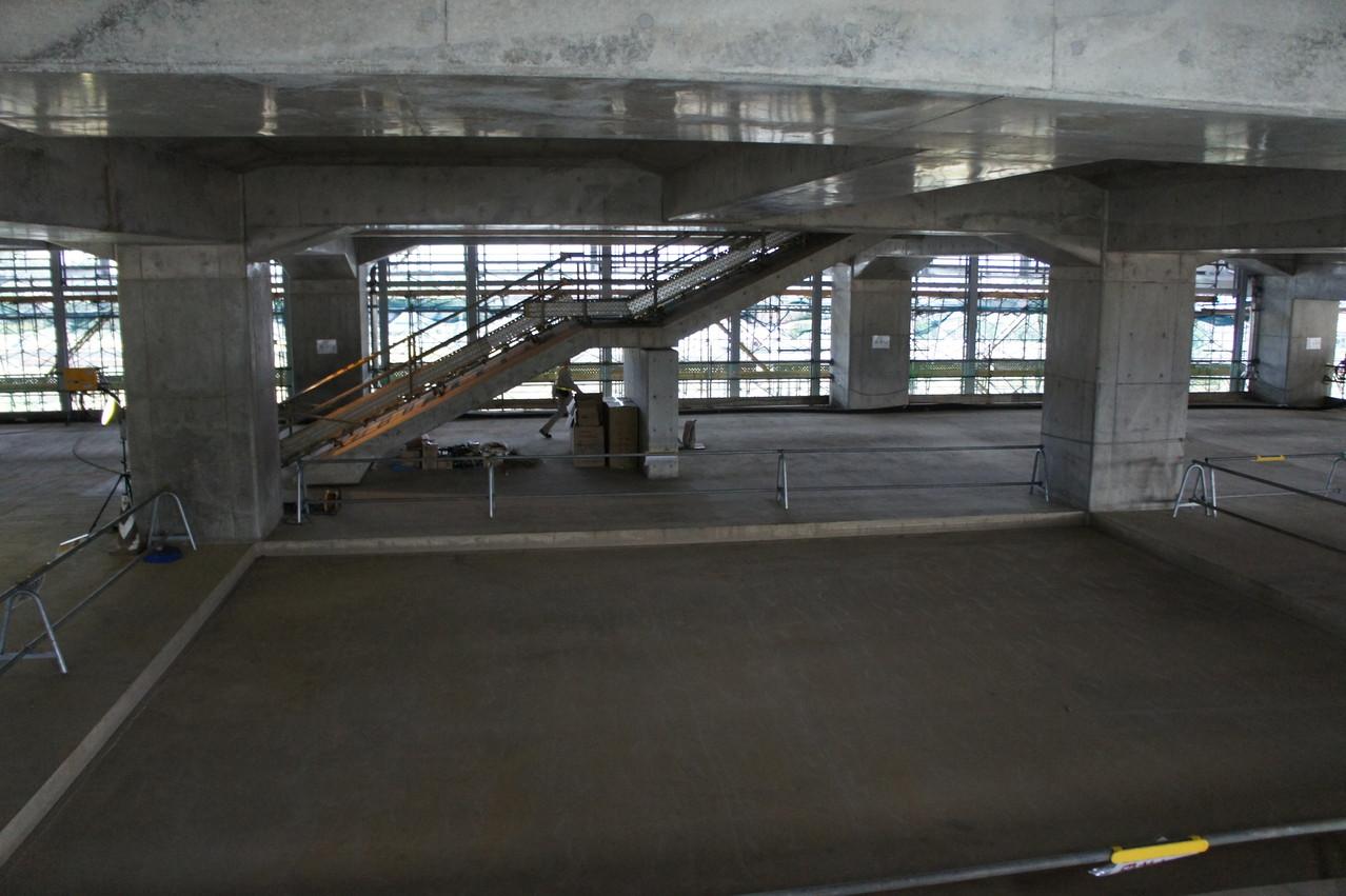 階段を上って3階に向かいます。