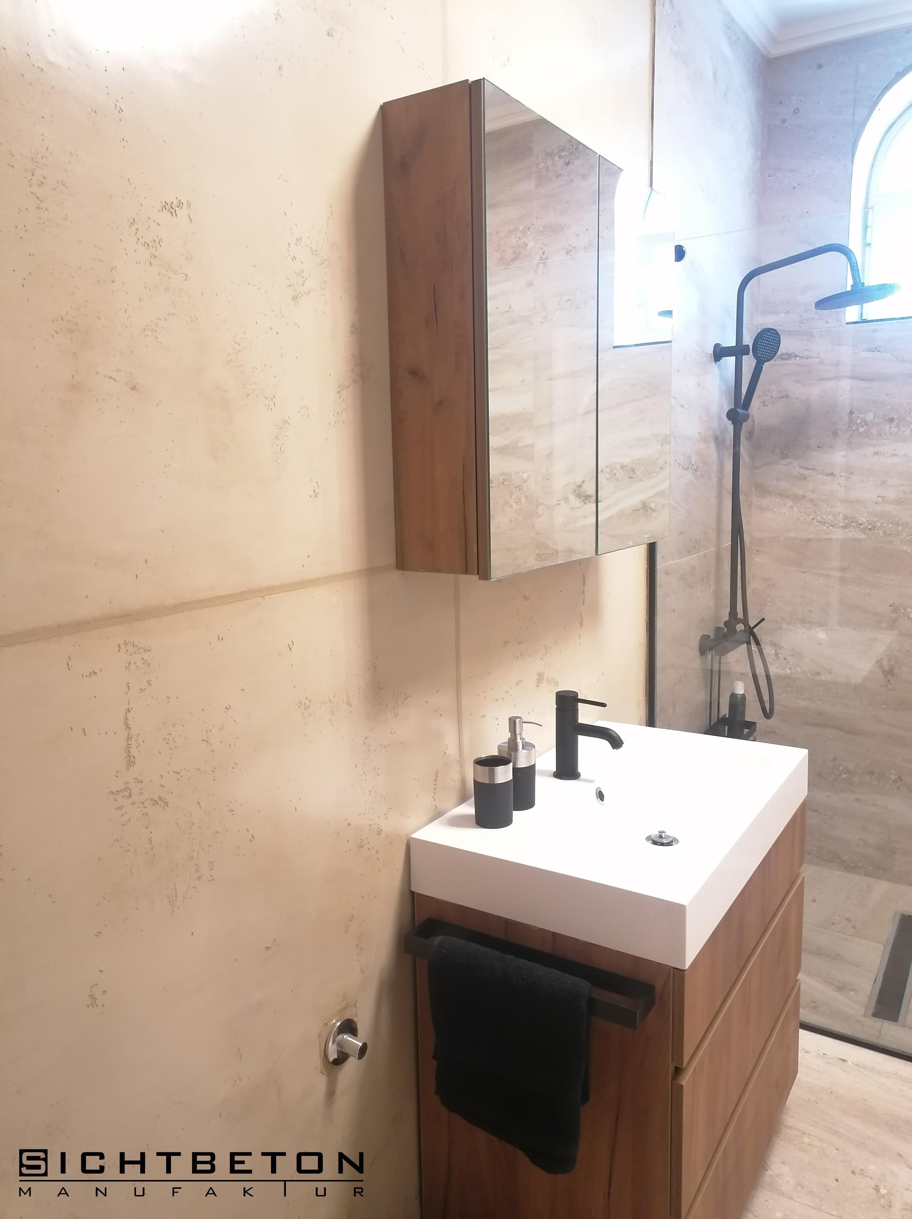 Betonoptik, Sichtbeton in Dusche und Nassbereich im Farbton 10-10