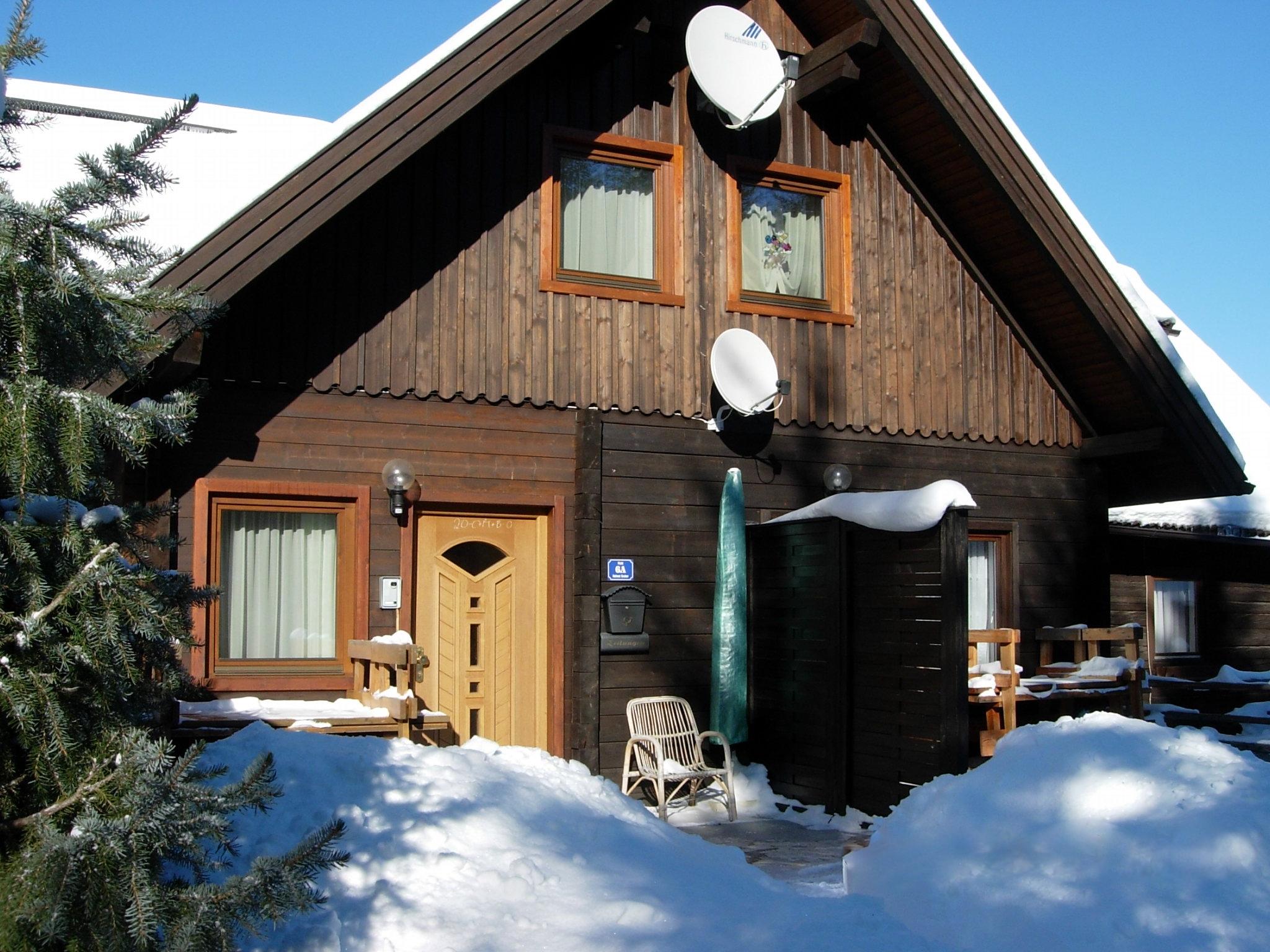 Eingang zur Wohnung im Winter