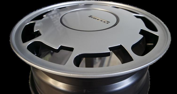 Pirelli-Felge Detailansicht