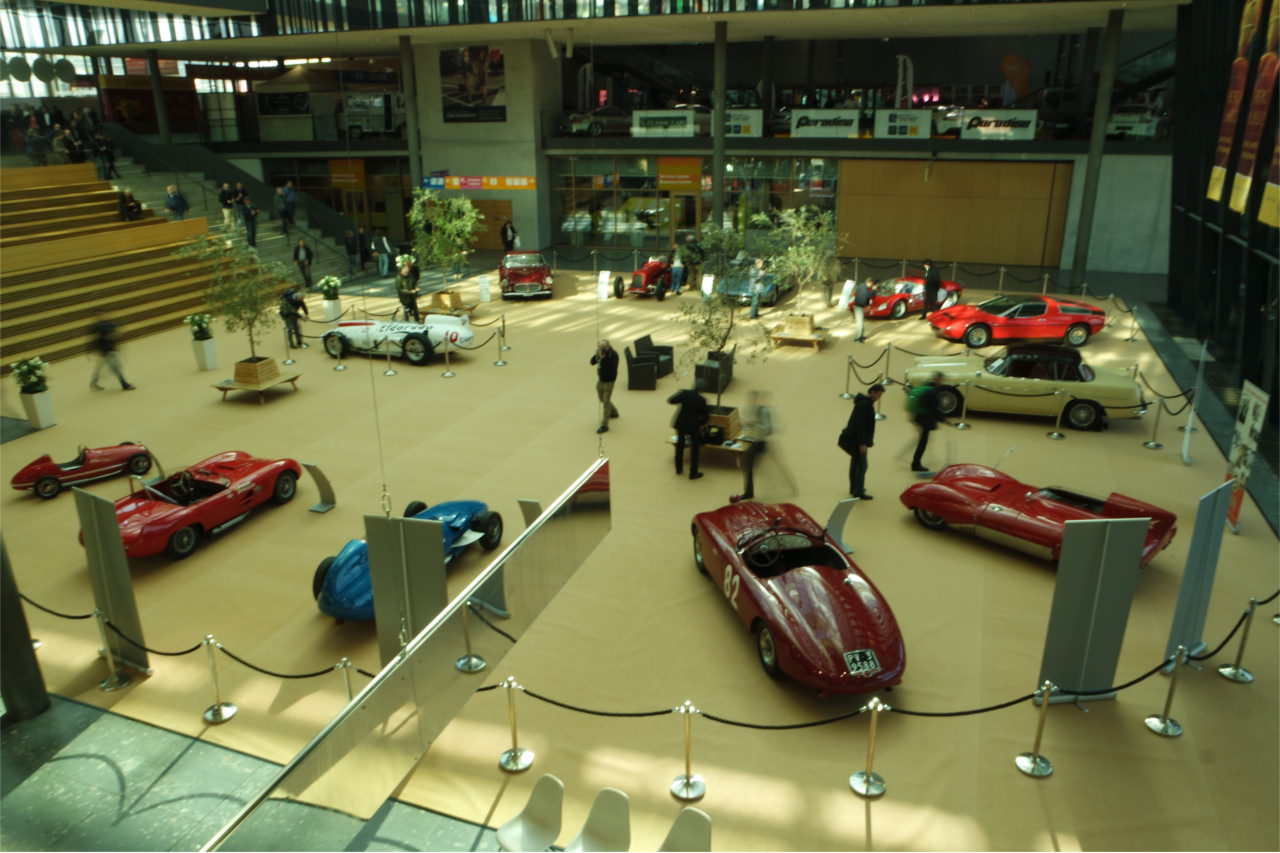 Foyer der Retro Classics Stuttgart 2017