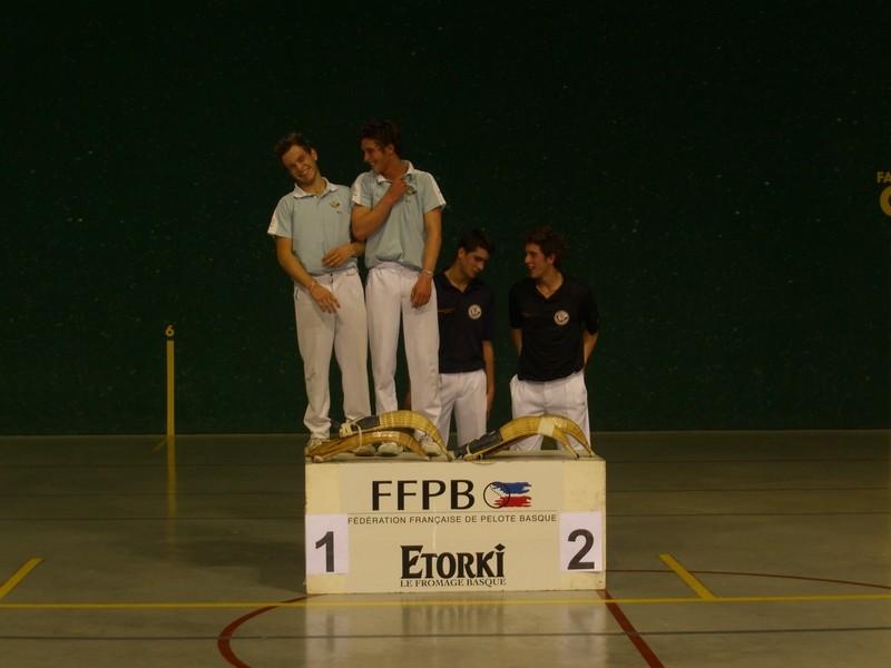 L'Aviron Bayonnais remporte le titre.