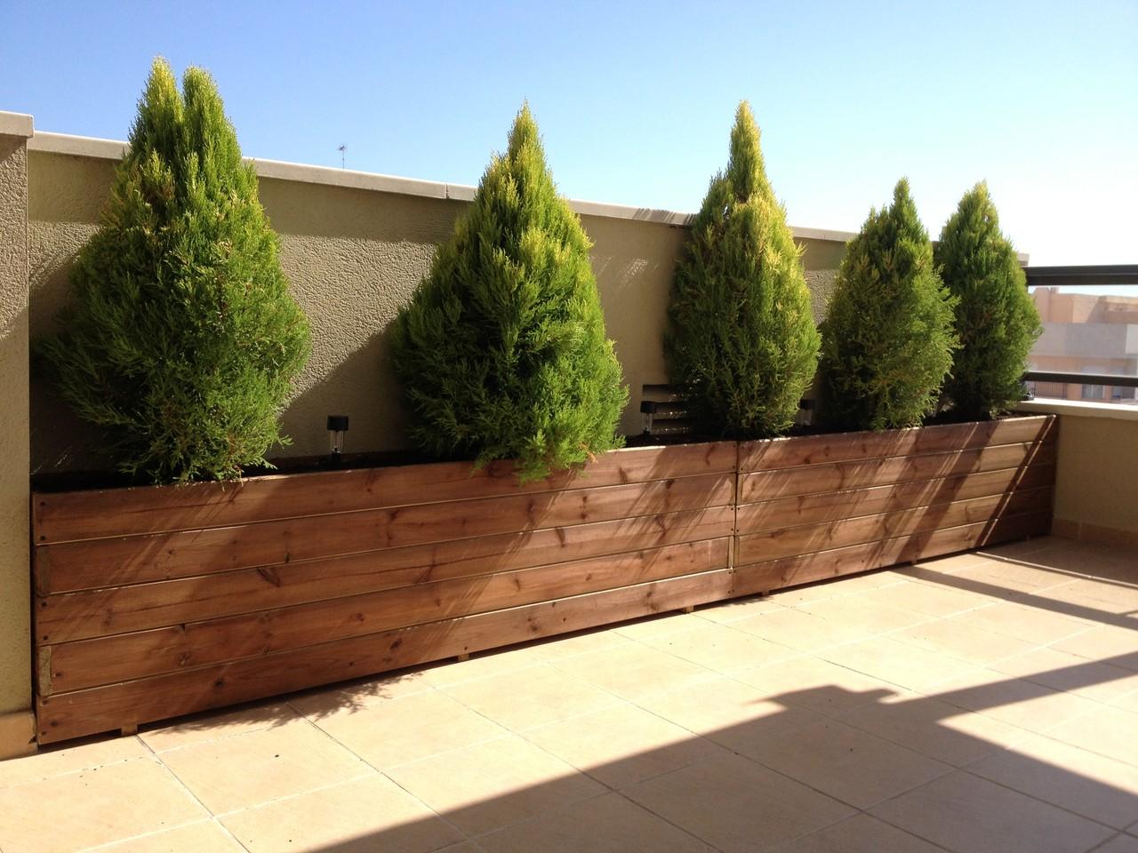 Fotos de los clientes jardineras de madera for Jardineras con palets de madera