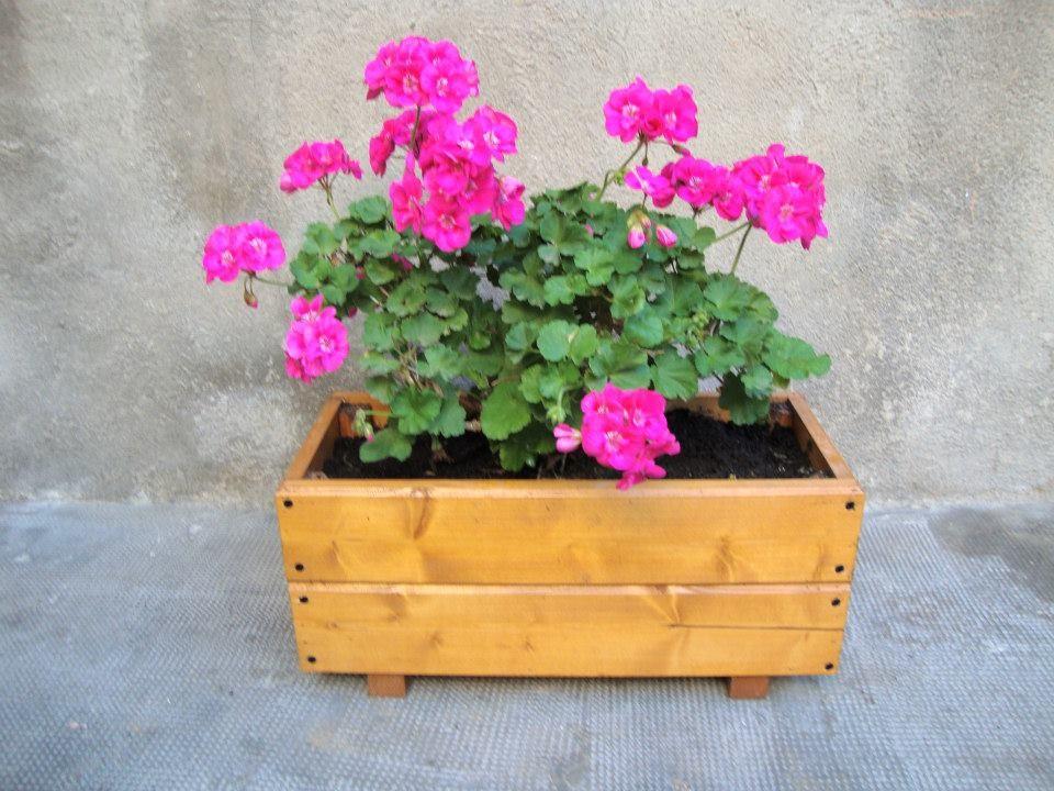 Geranios jardineras de madera - Jardineras baratas online ...