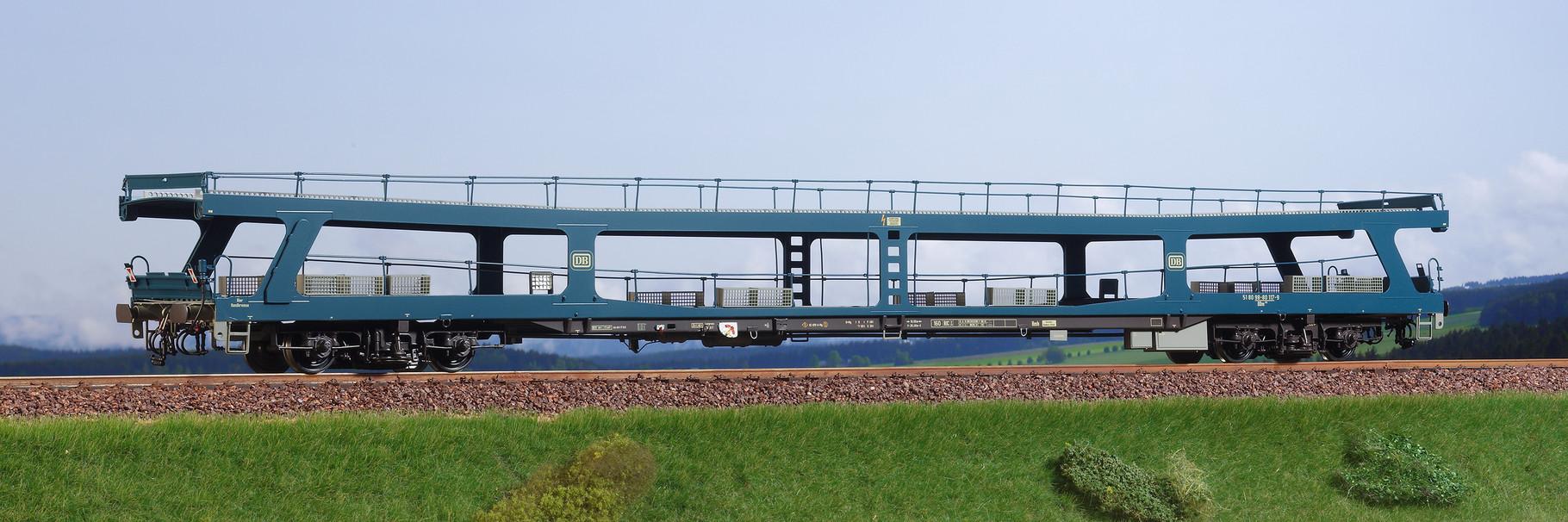 Spur 0, DB Autotransportwaggon DDm 915, ozeanblau, Epoche IV