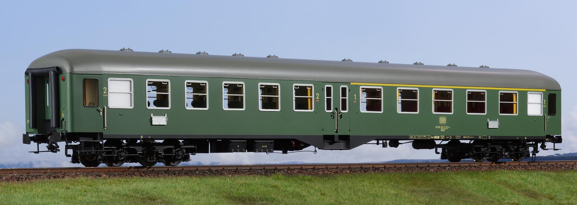 Spur 1 Mitteleinstiegwagen, 1., 2. Klasse