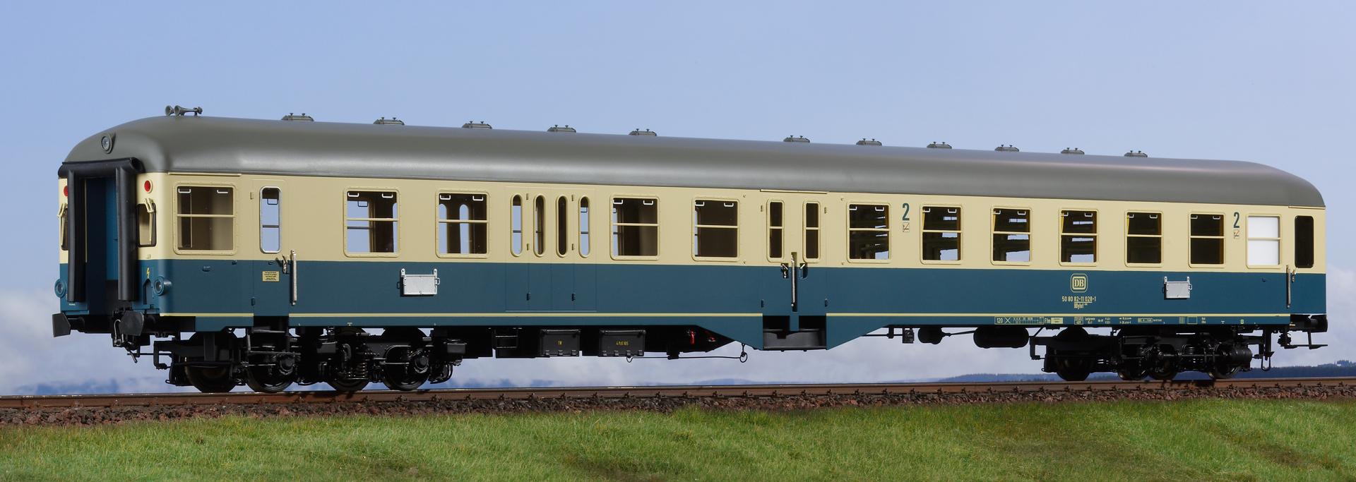 Spur 1 Mitteleinstiegwagen, türkis/beige, 1., 2. Klasse mit Steuerabteil