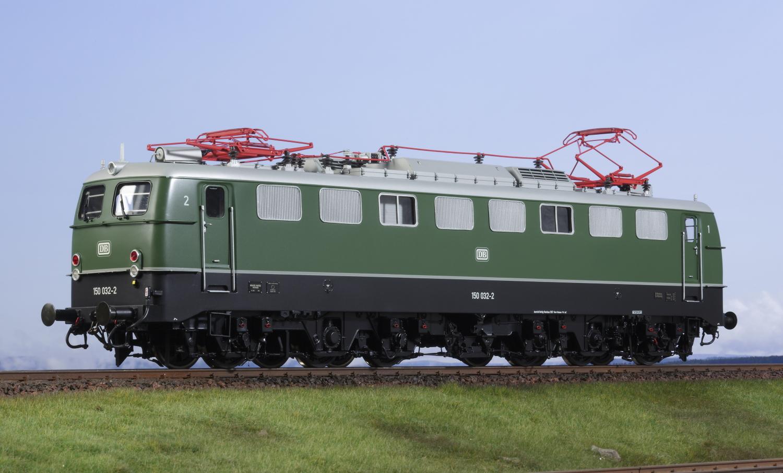 Spur 0 Lokomotive Baureihe 150/E 50 flaschengrün mit Dach aus Weißaluminium