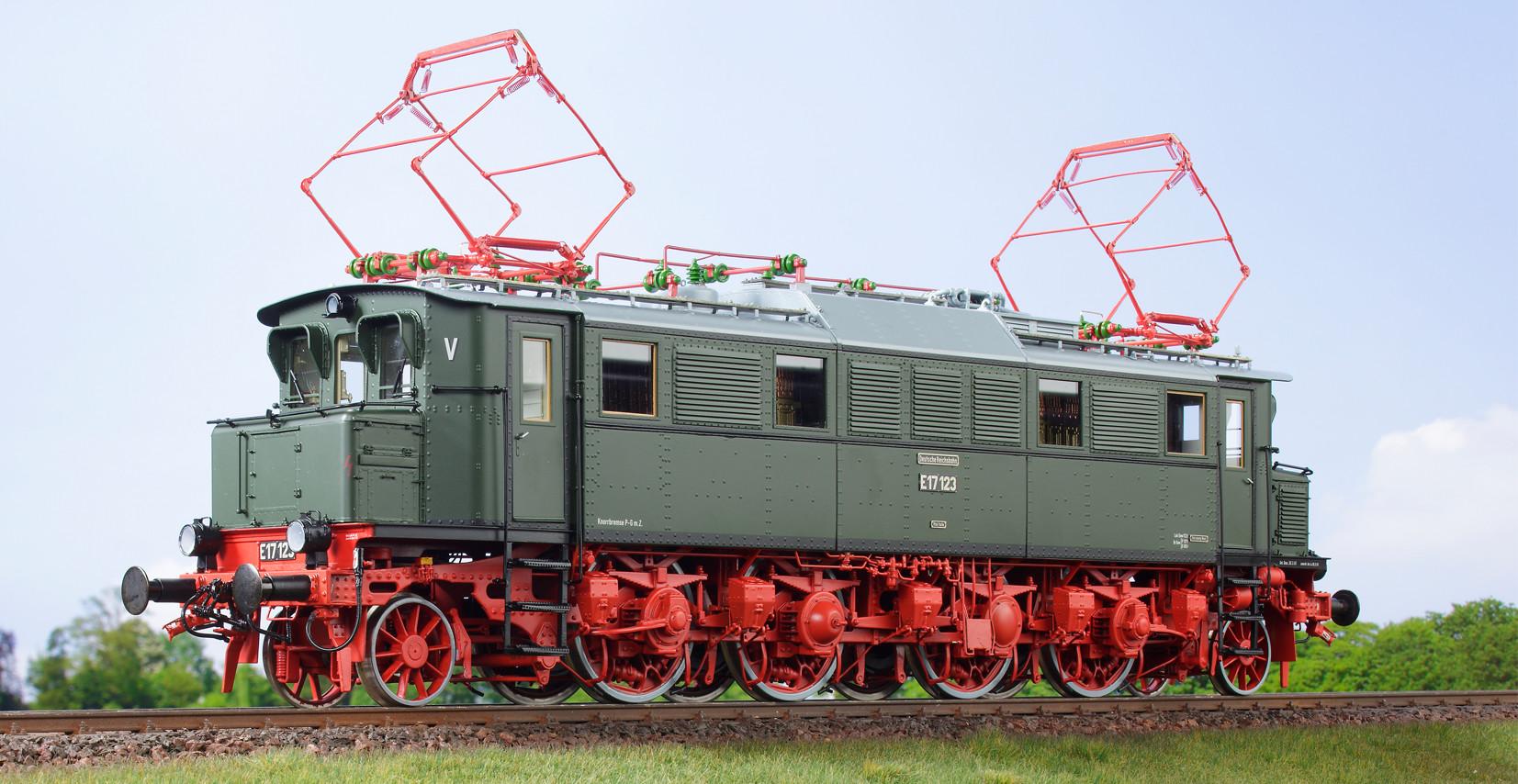 Spur 1 Lokomotive Baureihe E 17 123 Epoche IIIb DRo flaschengrün