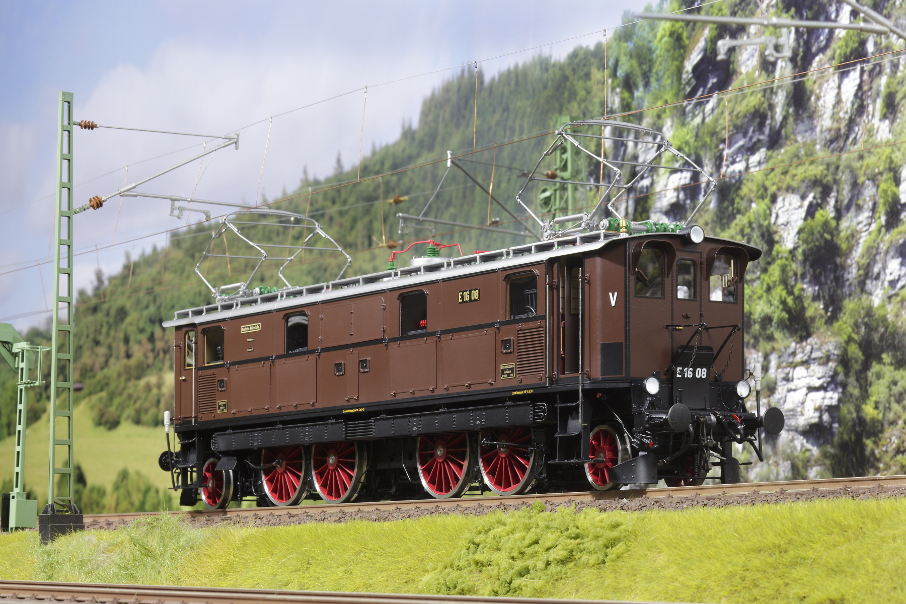 Spur 1 Lokomotive Baureihe E 16 08 Epoche IIb rotbraun