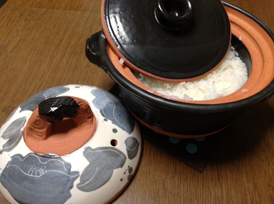二重蓋の土鍋でご飯