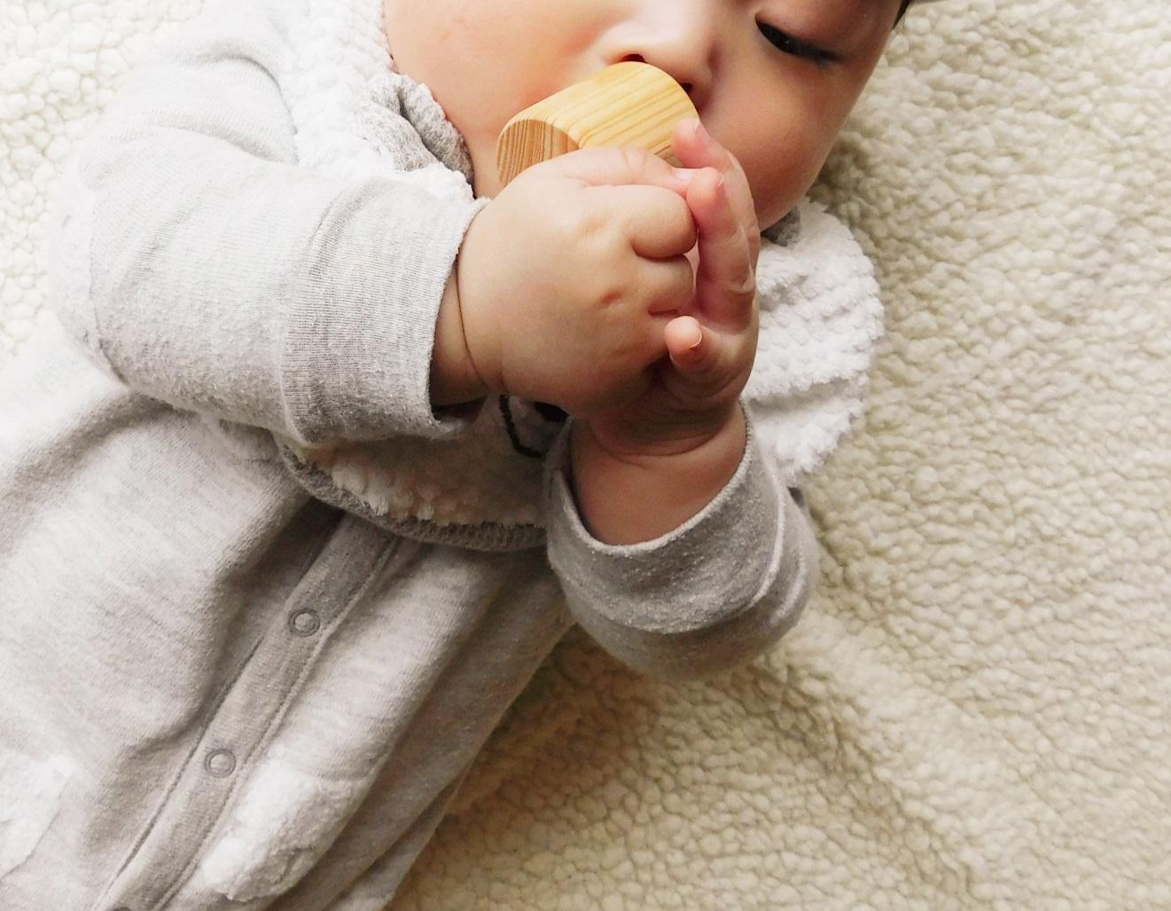 赤ちゃんが舐めても安心な植物油、大きさ、丸み