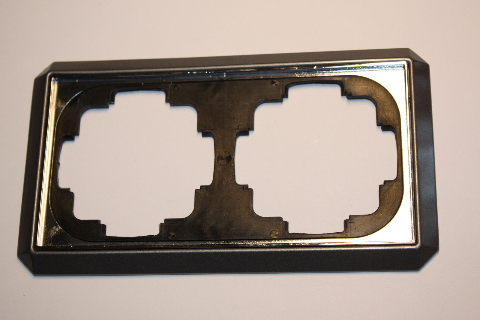 grau metallic der shop f r gebrauchtes schaltermaterial. Black Bedroom Furniture Sets. Home Design Ideas