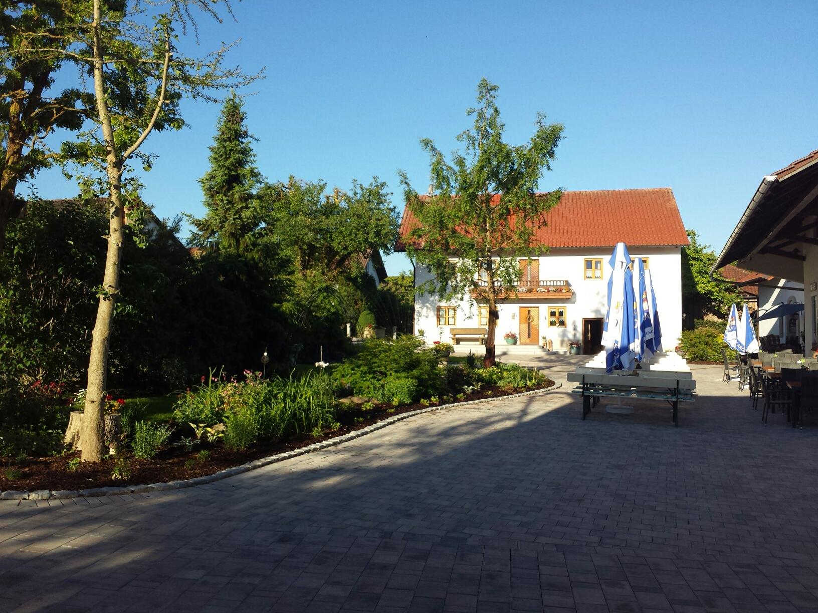 Unser Hofbiergarten