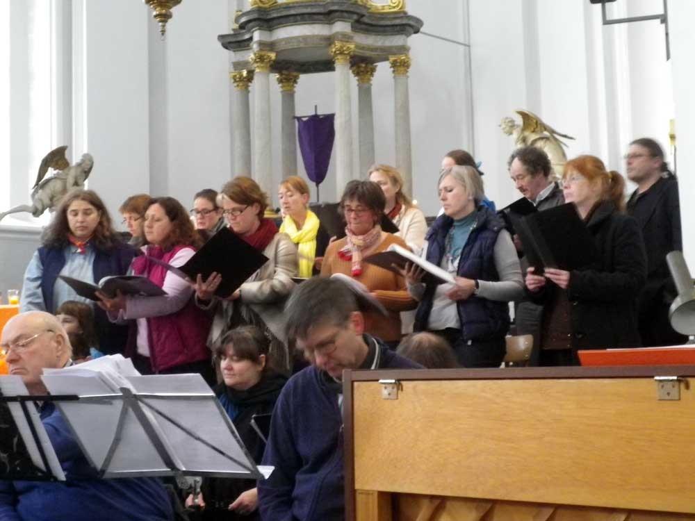 Chor glissando bei der Taizè Nacht der Lichter in St.Johann in Aachen / Burtscheid