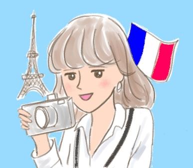 フランスで取材している若い女性ジャーナリストというリクエスト