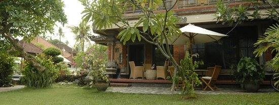 Bungalow vue jardin, hôtel à Sanur