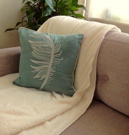 Plume cushion