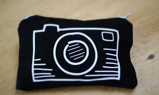 Täschchen mit Kameramotiv
