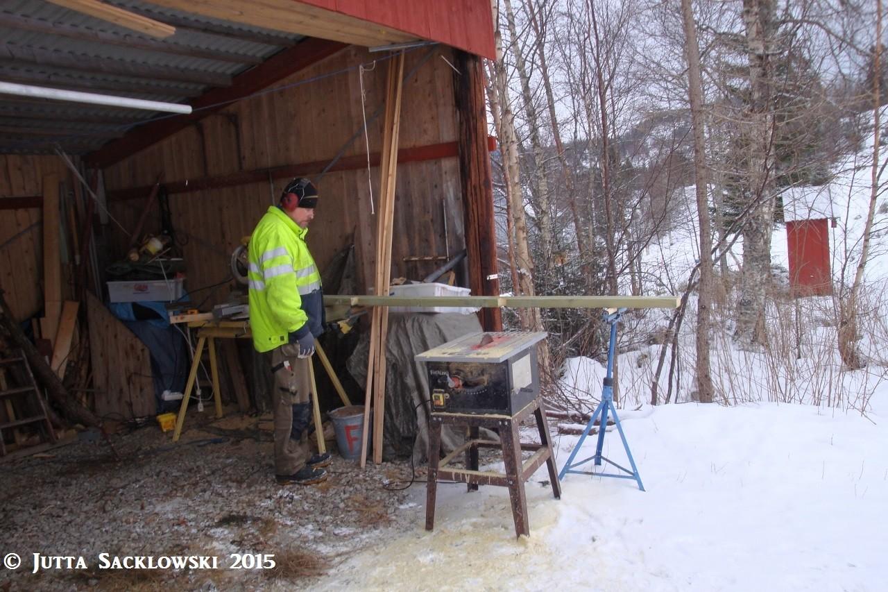 Knut nutzt den Carport als Werkstatt