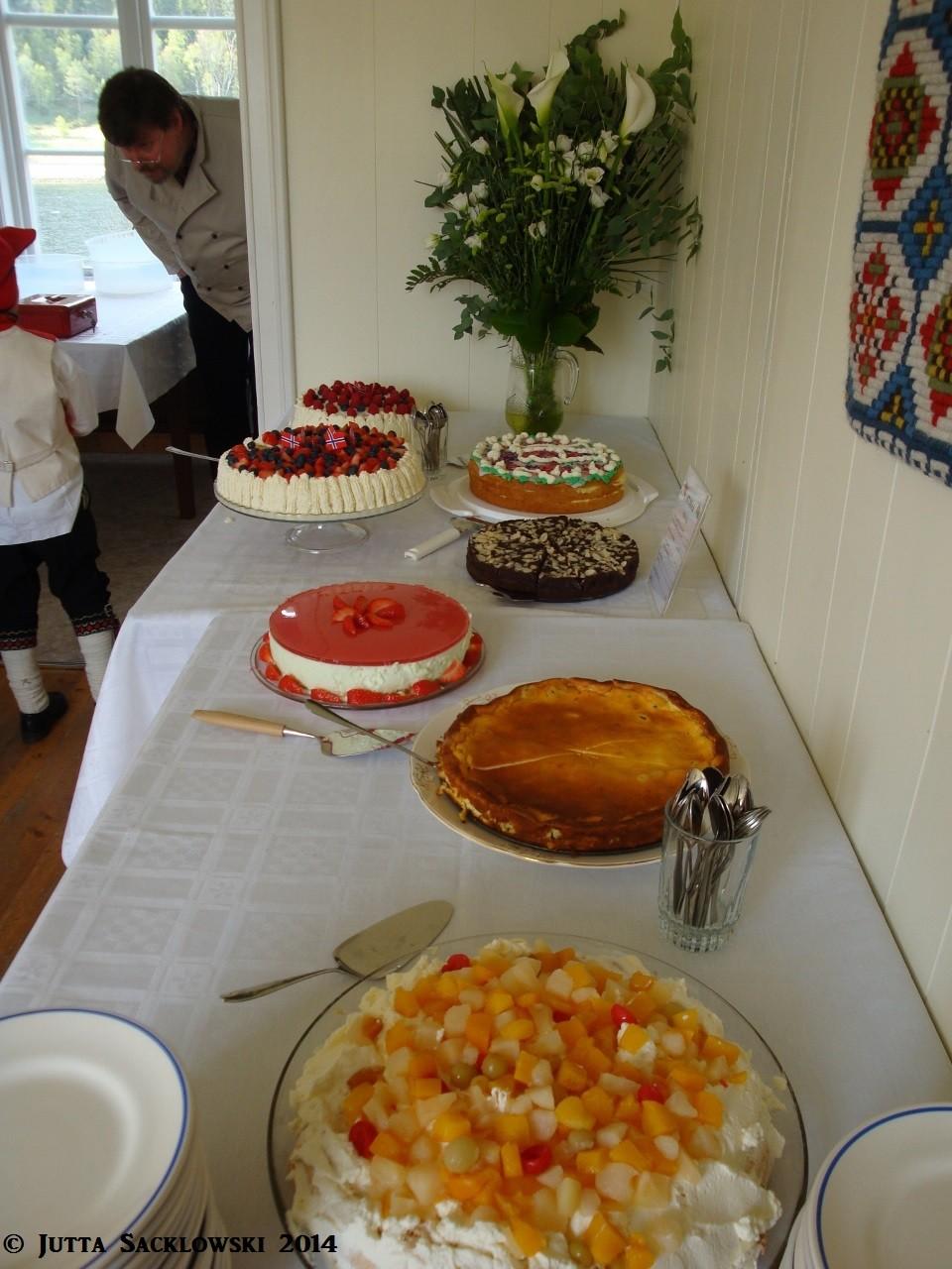 Kuchenbüffet - alle haben gebacken