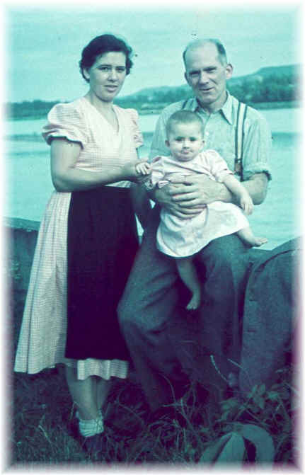 Rudolf Redlinghofer with his wife Agnes and daughter Regina taken on an excursion to the Danube