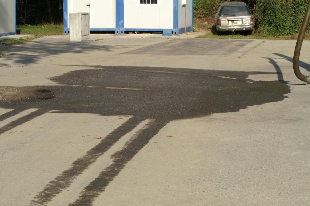 """Il piazzale del """"lavaggio"""" dei camion fino a inizio gennaio 2010"""