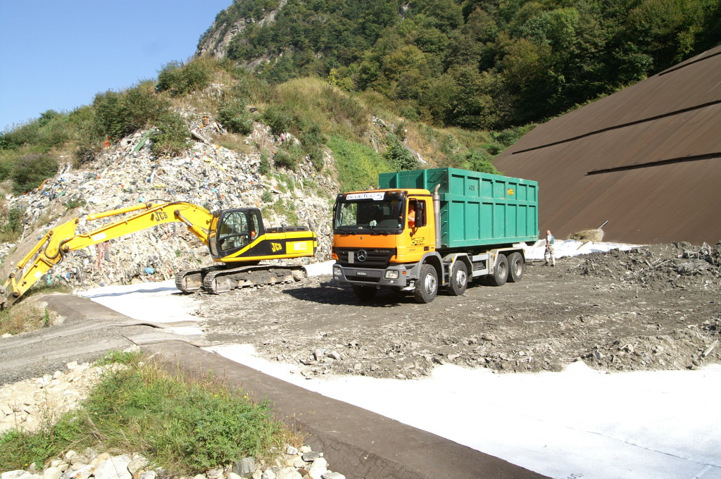 30 set. 2009 - I trasporti dei residui del bruciatore rifiuti di Giubiasco sono iniziati il 29 set. 2009